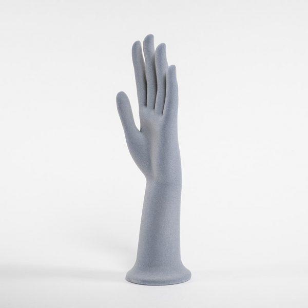mano plastica piccola